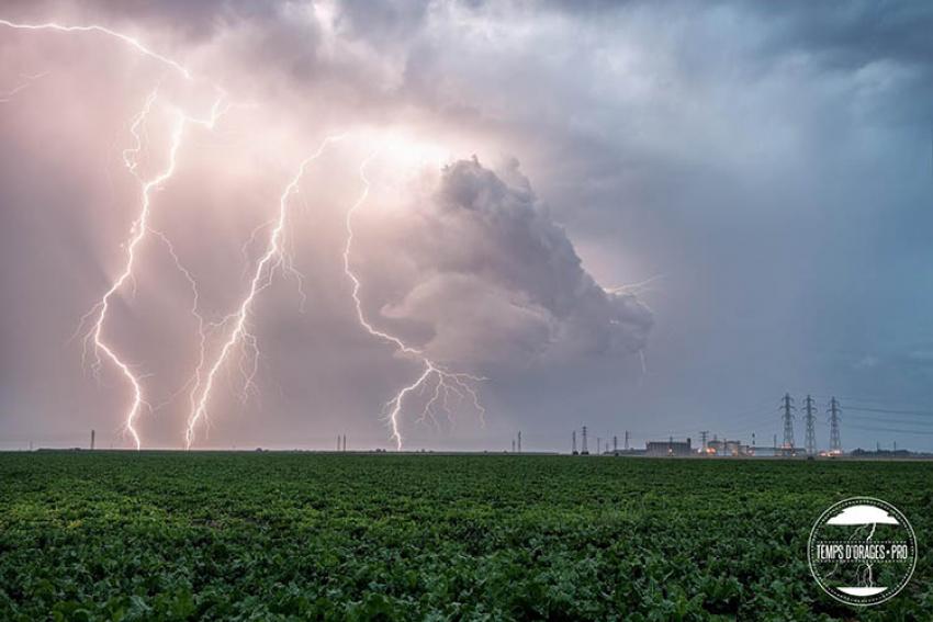 METEORAGE : Comment adapter son comportement et ses procédures en cas d'orage ? Un nouveau service qui permet aux entreprises, en Europe, d'évaluer et quantifier le risque de foudroiement de leur site