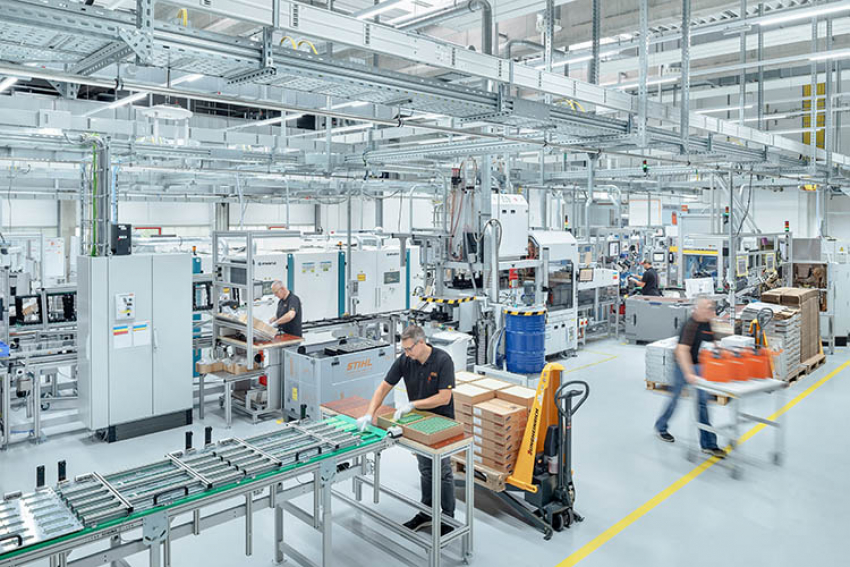 STIHL : Usine de production de batteries dorsales professionnelles, à Waiblingen-Hohenacker
