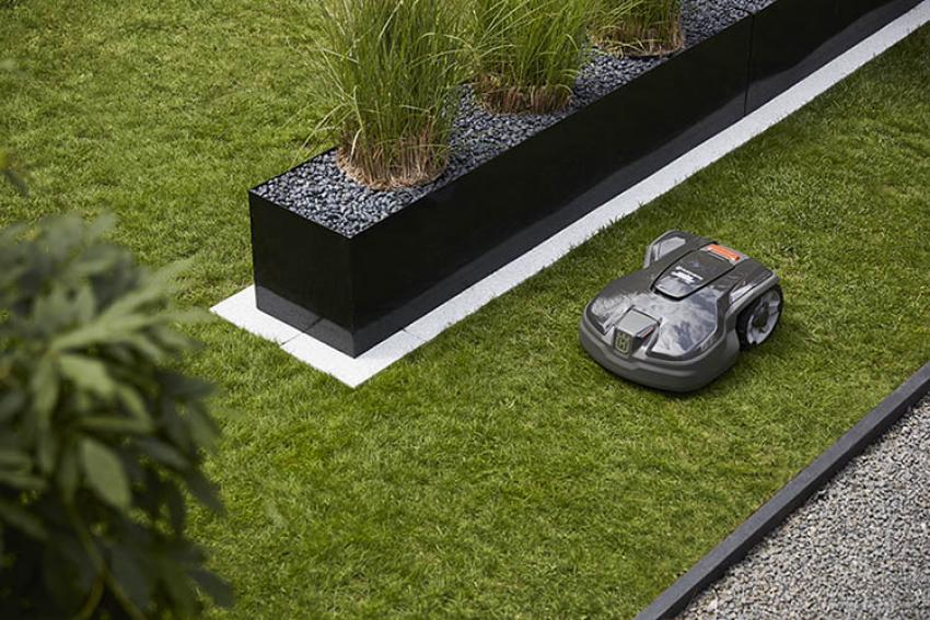 HUSQVARNA : Découvrez le nouvel AUTOMOWER® 305, un nouveau robot tondeuse conçu pour les petits jardins urbains et péri-urbains… jusqu'à 600 m²