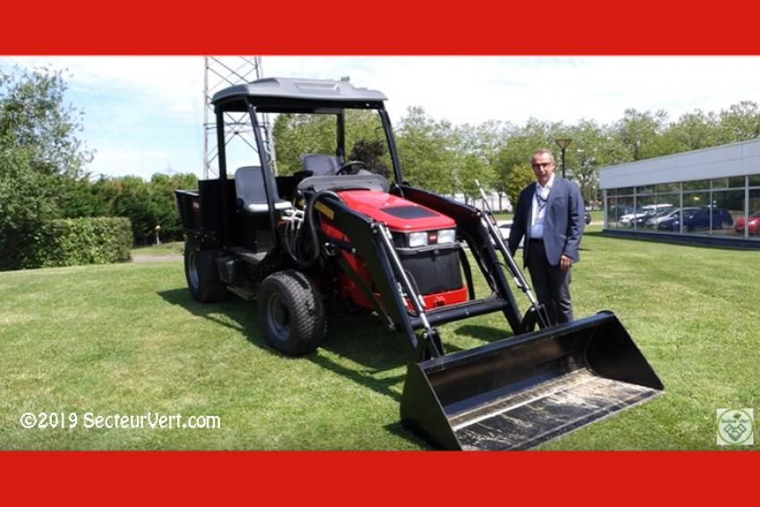 SOLVERT : Découvrez l'Outcross™ 9060, le nouveau concept de véhicule utilitaire TORO pour l'entretien du gazon, présenté par Jérôme BAQUE- Responsable Produits Matériels Espaces Verts