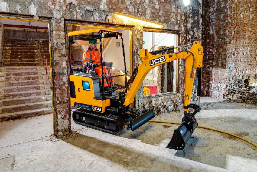 J.C. BAMFORD EXCAVATORS Ltd - JCB : Découvrez la nouvelle Mini-Pelle électrique JCB-19C 1E au Salon Paysalia 2019 (Hall 4 Stand E72) présentée pour la 1ère fois aux professionnels des espaces verts