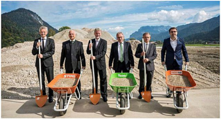 Nikolas Stihl, président du groupe STIHL, a lancé le 29 septembre 2017 le programme d'extension du site de production STIHL - VIKING de Langkampfen, en Autriche